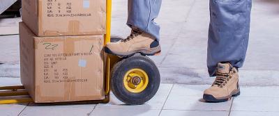 Welke steekwagen gebruik je voor het tillen en verplaatsen van goederen?